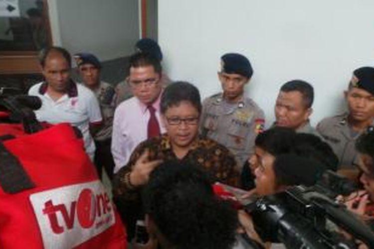 Pelaksana tugas Sekjen PDI Perjuangan Hasto Kristiyanto mendatangi Pengadilan Negeri Jakarta Selatan, Selasa (10/2/2015).