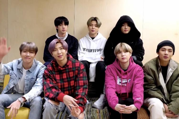 Boyband BTS menjadi bintang tamu program Homefest: James Cordens The Late Late Show Special dari ruang latihan mereka di Seoul, Korea Selatan.