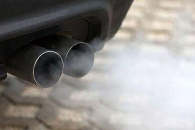 Ilustrasi polusi yang dikeluarkan knalpot kendaraan.