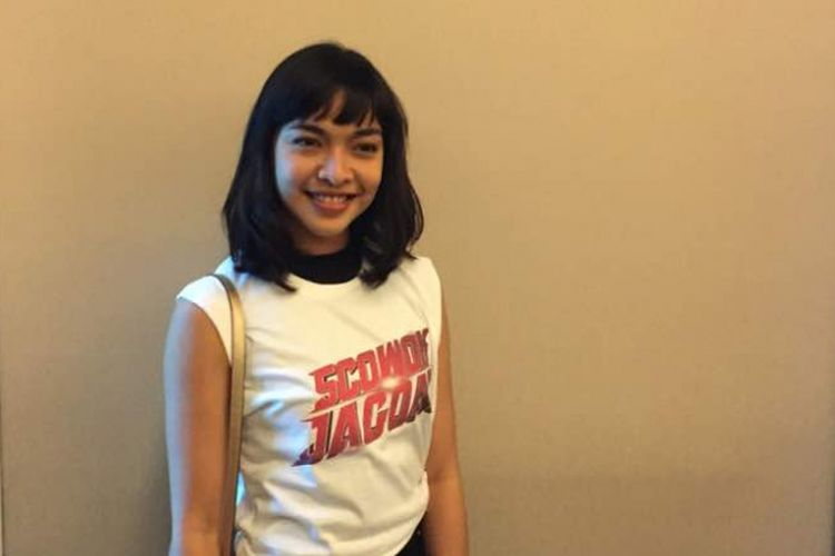 Tika Bravani menghadiri jumpa pers dan syukuran sebelum proses shooting film 5 Cowok Jagoan di kantor MVP Pictures, di kawasan Kuningan, Jakarta Selatan, Selasa (18/4/2017).