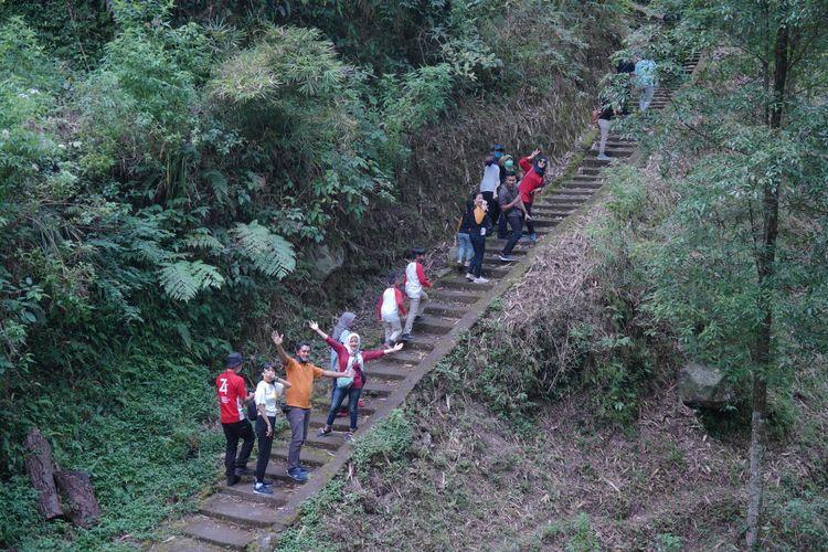 Jalur yang harus ditempuh untuk menuju ke Dusun Girpasang di Desa Tegalmulyo, Kecamatan Kemalang, Kabupaten Klaten, Jawa Tengah.