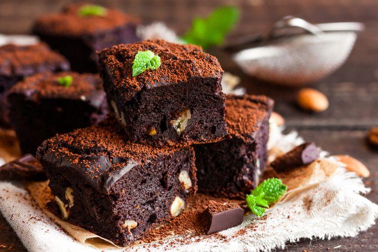 Ilustrasi brownies cokelat kacang.