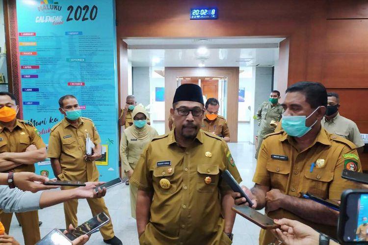 Gubernur Maluku, Murad Ismail saat memberikan keterangan kepada wartawan di Kantor Gubernur Maluku, Senin malam (11/5/2020)
