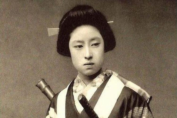 Nakano Takeko, samurai wanita yang terbunuh saat bertarung sengit dengan 6 musuh sekaligus.
