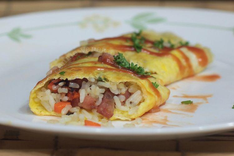 Omurice atau nasi goreng lapsi telur dadar.