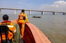 [POPULER NUSANTARA] Pengendara Motor Terjun dari Jembatan Suramadu | Seorang Pria Bentangkan Poster ke Arah Jokowi