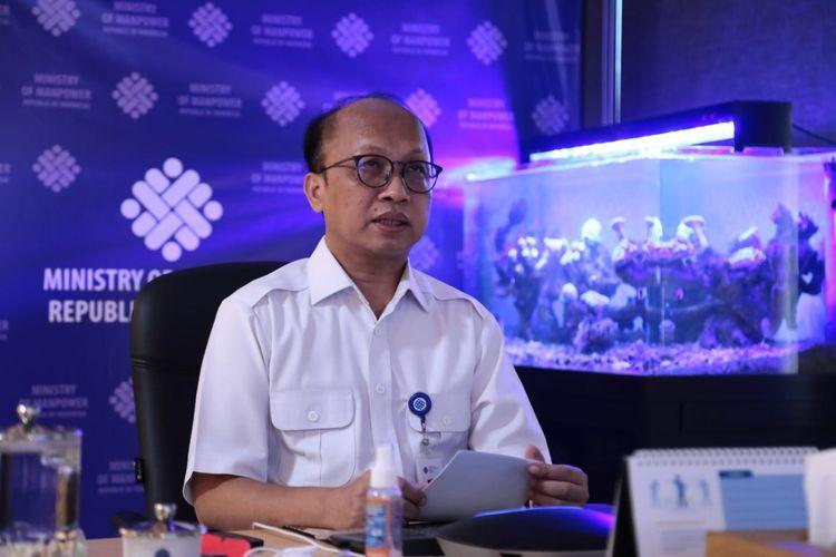 Sekretaris Jenderal (Sekjen) Kementerian Ketenagakerjaan (Kemnaker) Anwar Sanusi saat mengikuti kegiatan Pengenalan Kehidupan Kampus Mahasiswa Baru (PKKMB) Politeknik Ketenagakerjaan (Polteknaker)Tahun 2021 secara daring, Rabu (18/8/2021).