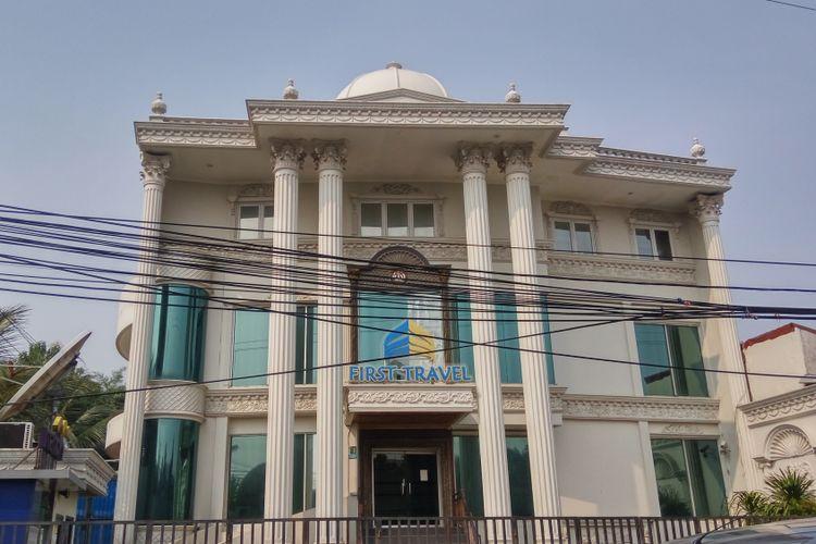 Kantor First Travel yang berlokasi di Jalan Radar AURI, Cimanggis, Depok.