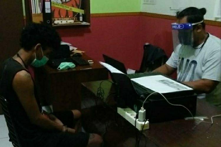Pemeriksaan pelaku pembacokan di Stareskrim Polresta Banyumas, Jawa Tengah.