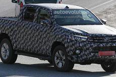 All New Toyota Hilux Pakai Lampu Proyektor