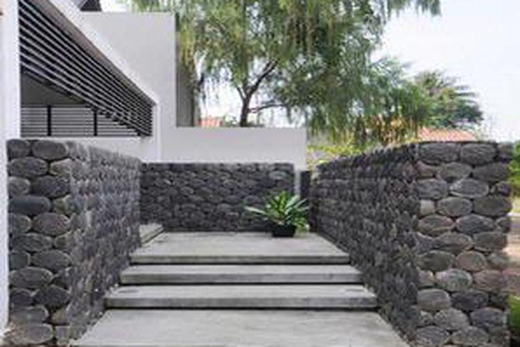 Kombinasi Warna Cat Pagar Besi  persiapan membuat pagar rumah