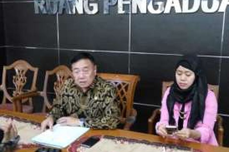 Wakil ketua Internal Komnas HAM Ansori Sinungan dan Humas Komnas HAM dan Eva Nilasari dalam Konfrensi pers di Komnas HAM, Jakarta, Rabu (23/11/2016) terkait kekerasan terhadap warga Rohingya di Myanmar