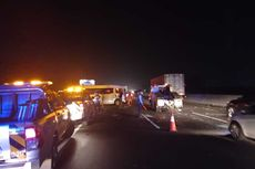 8 Kendaraan Terlibat Kecelakaan Beruntun di Tol Jakarta-Cikampek Kilometer 51