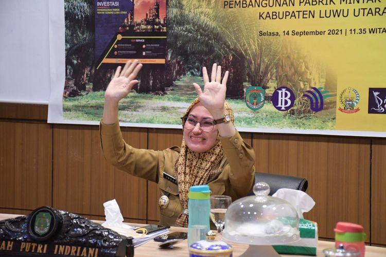 Bupati Luwu Utara Indah Putri Indriani (IDP) saat mempresentasikan proposal investasi pembangunan pabrik minyak goreng sawit secara virtual, Selasa (15/9/2021).