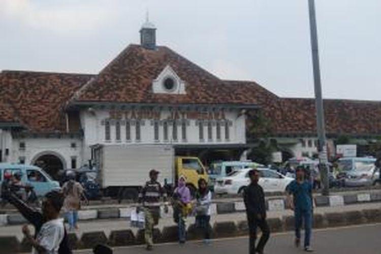 Stasiun Jatinegara, Jakarta Timur