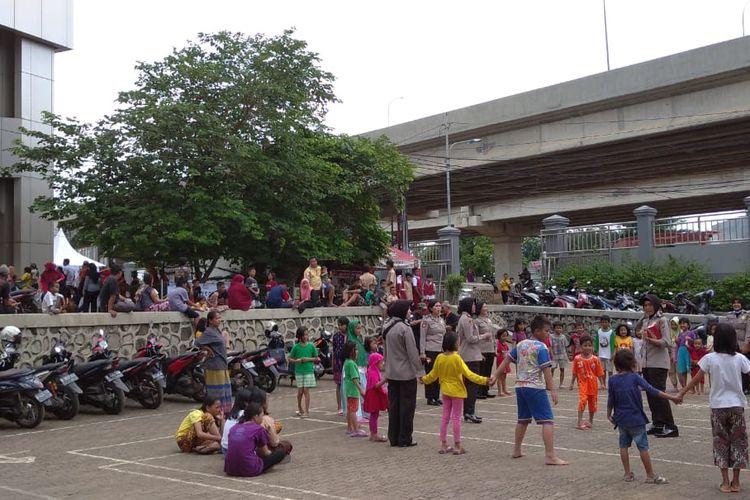Suasana di Pengungsian Universitas Borobudur, Jakarta Timur Rabu (26/2/2020).