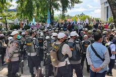 Tolak Omnibus Law UU Cipta Kerja, Buruh Demo di Gedung DPRD Kalsel