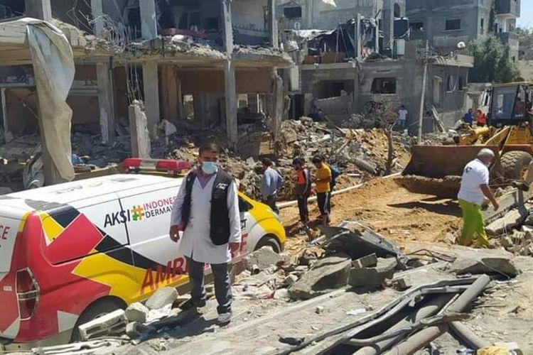 Mobil Ambulans bantuan dari Padang beroperasi di Palestina saat terjadi konflik dengan Israel,