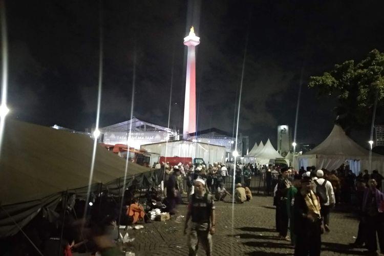 Massa Malam Munajat 212 mulai memadati kawasan Monas, Kamis (21/2/2019) malam.