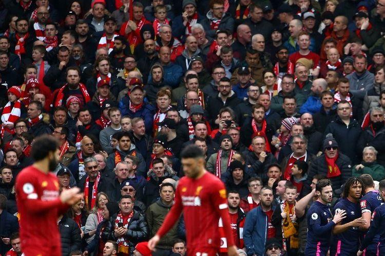 Para pemain Bournemouth merayakan gol ke gawang Liverpool pada laga Liga Inggris di Stadion Anfield, Sabtu (7/3/2020).
