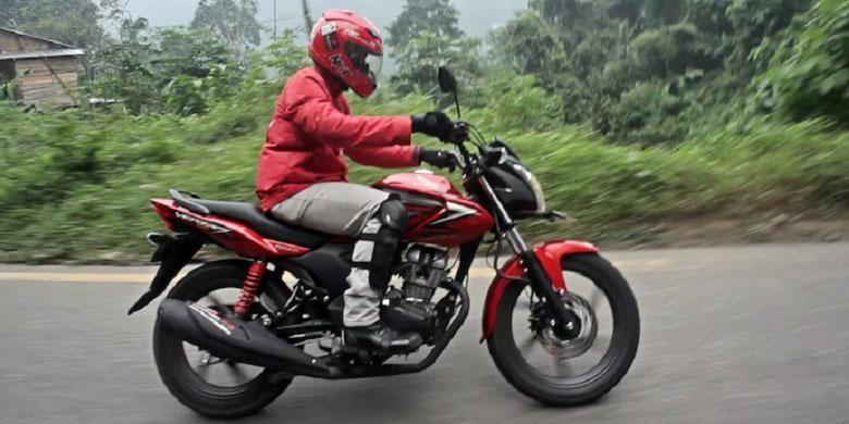 Honda Verza menjadi salah satu dari tiga sepeda motor sport yang digeber dalam Ekspedisi Nusantara Honda.