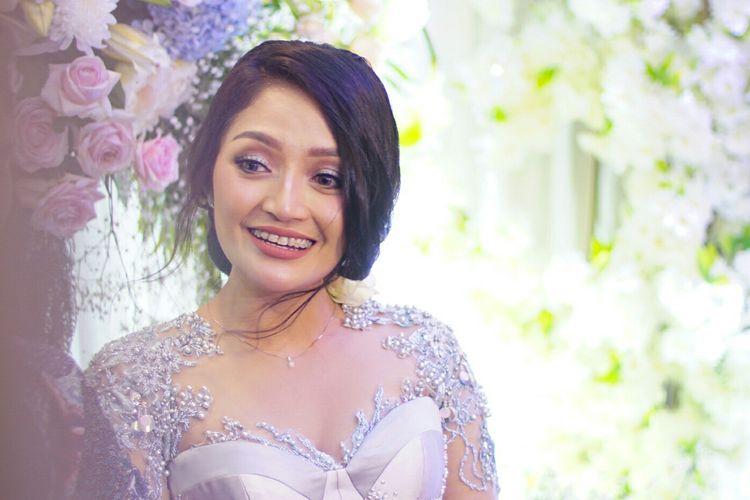 Penyanyi dangdut Siti Badriah dalam jumpa pers usai prosesi lamaran di Kembang Kencur, Pejaten, Jakarta Selatan, Kamis (21/3/2019).