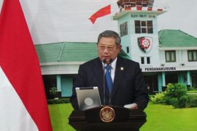 Presiden Susilo Bambang Yudhoyono saat memberikan penjelasan mengenai kesaksian terdakwa Luthfi Hasan Ishaaq