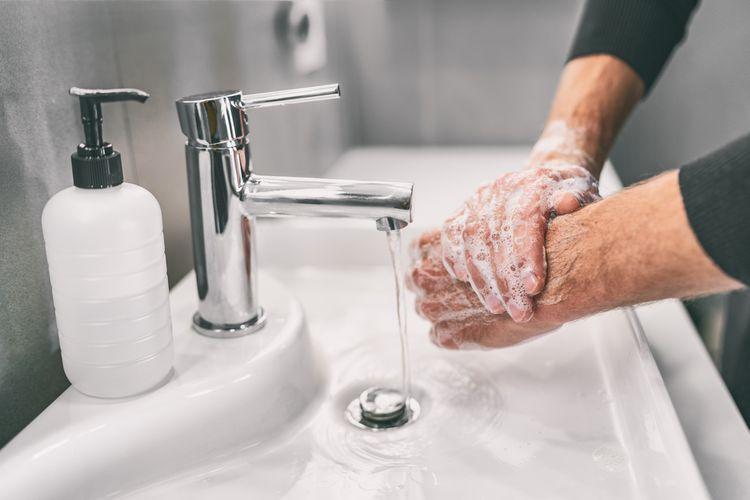 Ilustrasi cuci tangan untuk tetap menjaga kebersihan.