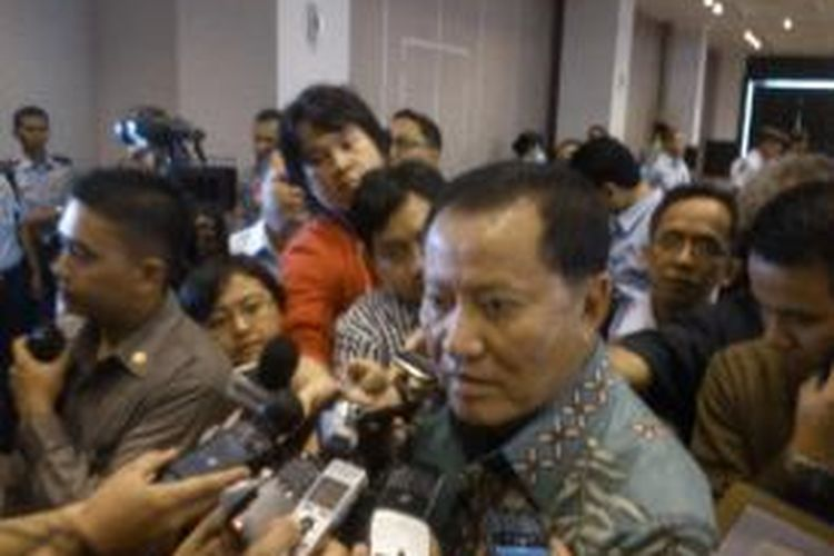Menteri Hukum dan HAM Amir Syamsudin di sela-sela acara Pemberian Remisi Anak di Jakarta, Selasa (23/7/2013). KOMPAS.COM/IHSANUDDIN
