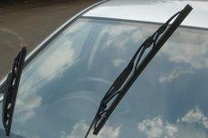 Hindari Kesalahan Pemula, Bersihkan Debu di Kaca Mobil dengan Wiper