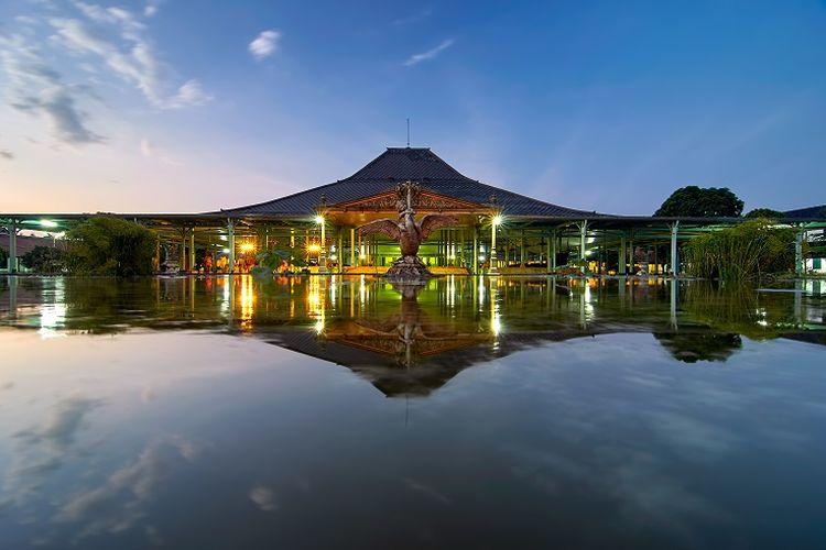 Ilustrasi Istana Mangkunegaran, Solo.