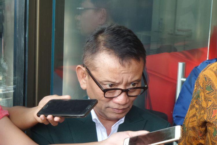 Dirjen Pajak Ken Dwijugiasteadi di Gedung KPK Jakarta, Selasa (8/8/2017).
