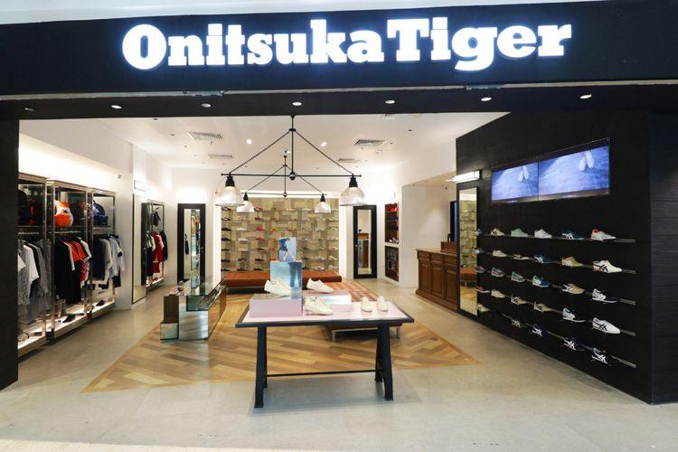 Toko Onitsuka Tiger di Plaza Senayan