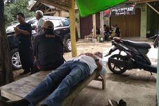 Usai Blusukan, Dedi Mulyadi Tertidur di Bangku Depan Warteg