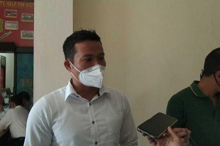 Kasatreskrim Polres Batu, AKP Jeifson Sitorus saat diwawancara di Mapolres Batu, Jawa Timur, Senin (8/3/2021).