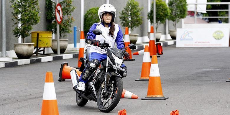Ilustrasi pelatihan safety riding / keselamatan berkendara