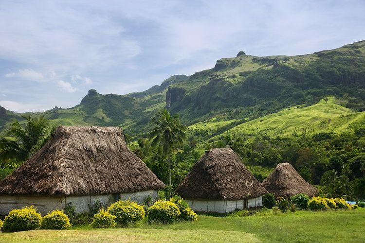 Ilustrasi Fiji - Desa Navala di Pulau Viti Levu.