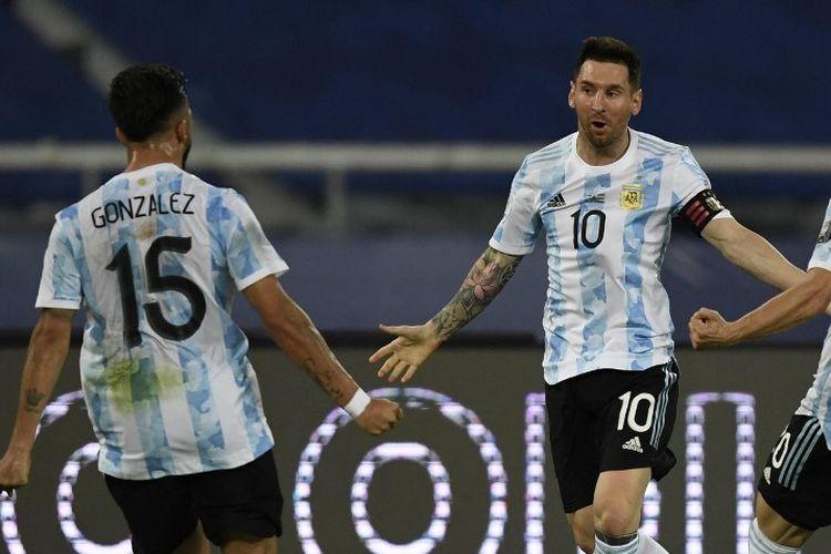 Kapten timnas Argentina Lionel Messi mencatatkan sejarah saat mencetak gol dari tembakan bebas pada laga Copa America 2020 kontra Chile, Selasa (15/6/2021) dini hari WIB.