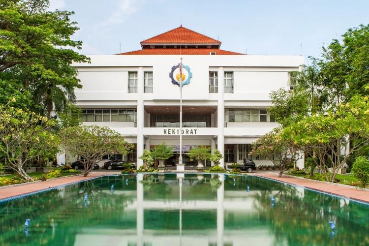 Gedung Rektorat Institut Teknologi Sepuluh Nopember (ITS) Surabaya.