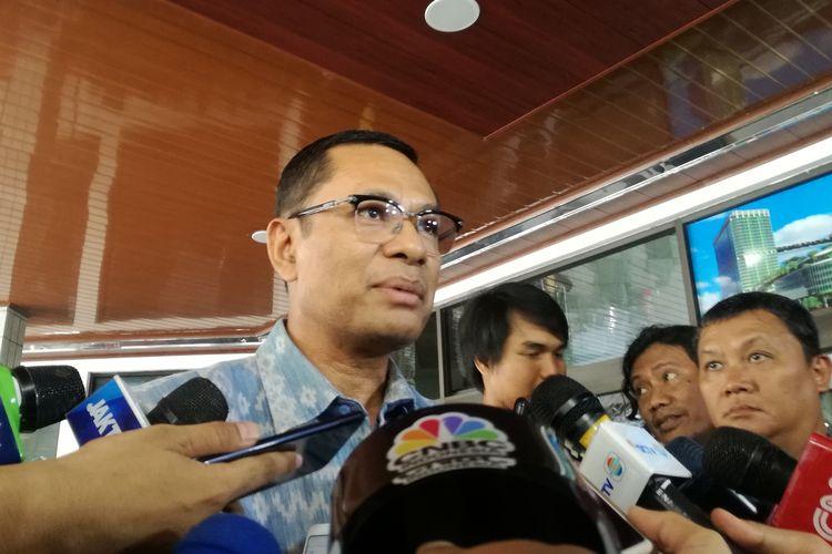 Mantan Menteri Perindustrian Saleh Husin mengatakan, Menteri Koordinator Bidang Politik, Hukum dan HAM Wiranto sudah sadarkan diri dan mampu diajak berbincang-bincang. Hal itu ia sampaikan usai menjenguk Wiranto di Rumah Sakit Pusat Angkatan Darat (RSPAD) Jakarta, Jumat (11/10/2019).