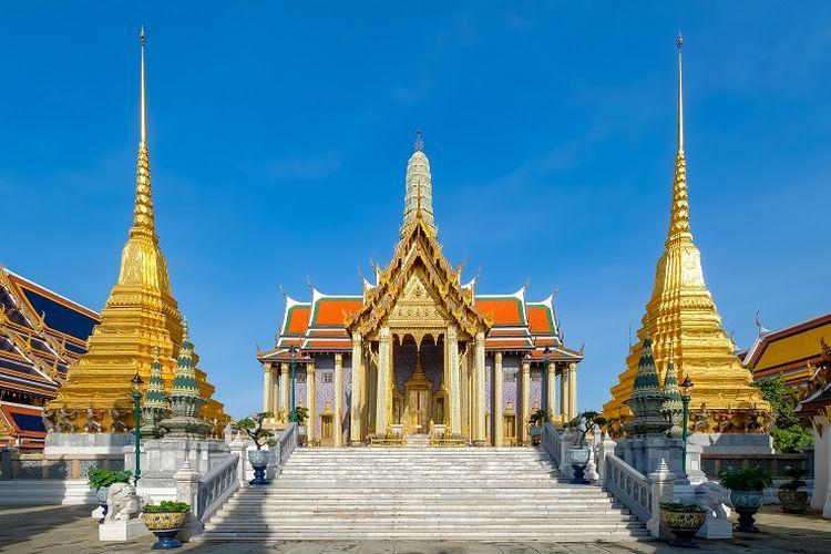Ilustrasi Thailand - Candi Wat Phra Kaew di Bangkok.
