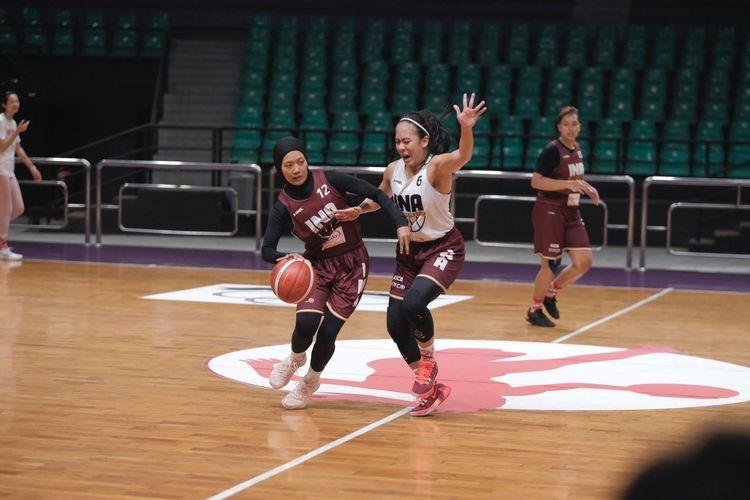 Pemain timnas basket putri Indonesia, Annisa Widyarni, dalam laga persiapan jelang FIBA Women?s Asia Cup 2021.