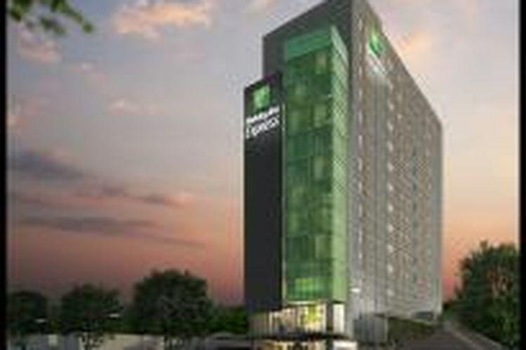 Holiday Inn Express Semarang Simpang Lima.