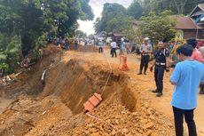 Jalan Poros Sorowako Sulsel Ambles, Petugas Lakukan Buka Tutup Jalan
