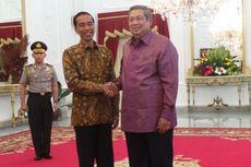 Presiden Jokowi Buat SBY Tersenyum