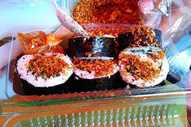 Isian Sushi Seger atau Sushi Sego Pager dari Desa Godhong, Grobogan, Jawa Tengah.