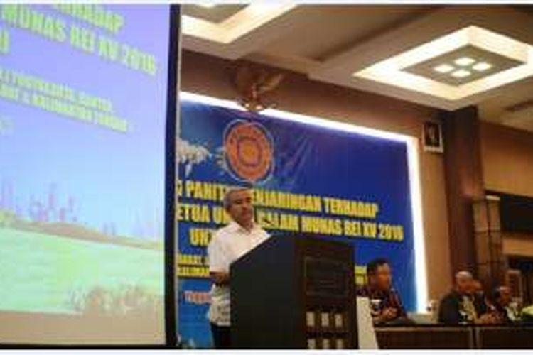 Calon Ketua Umum DPP Realestat Indonesia (REI) periode 2016-2019, Soelaeman Soemawinata, pada debat kandidat dalam rangka sosialisasi pemilihan Ketua Umum Real Estate Indonesia (REI) masa bakti 2016-2019 di Yogyakarta, Jumat (7/10/2016).