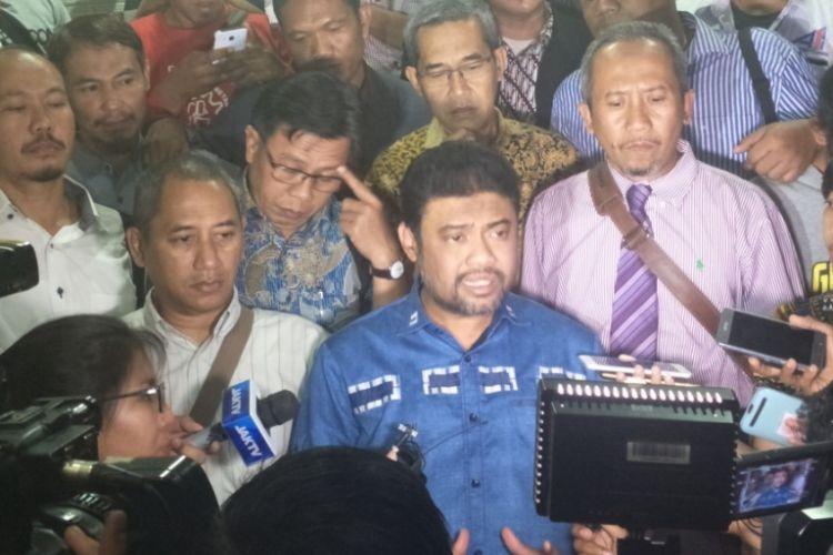 Presiden Konfederasi Serikat Pekerja Indonesia (KSPI) Said Iqbal usai menjalani pemeriksaan di Mapolda Metro Jaya, Selasa (9/10/2018).