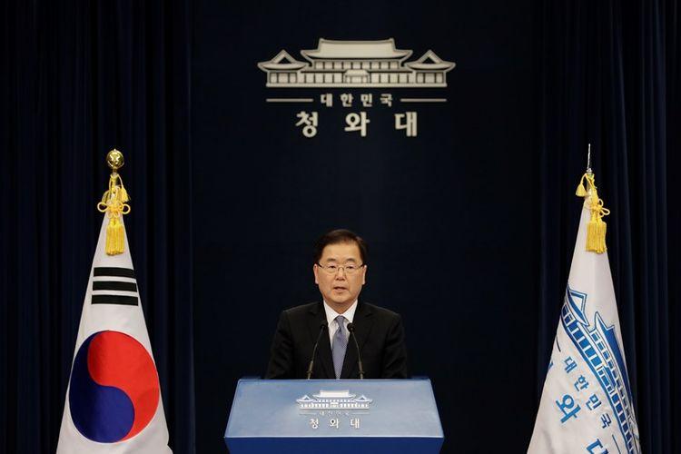 Pemimpin delegasi sekaligus Kepala Keamanan Nasional Korea Selatan, Chung Eui Yong, dalam konferensi pers di Kantor Kepresidenan Selasa (6/3/2018), pasca-kunjungannya ke Korea Utara.