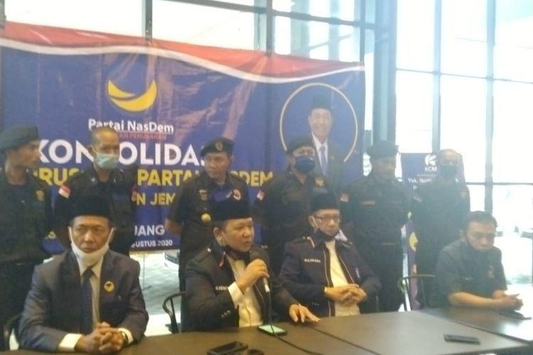 Deklrasi dukungan Nasdem pada Bacalon bupati Jember Hendy Siswanto dan Balya Firjaun Barlaman